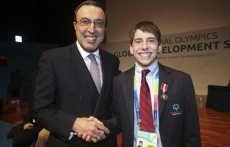 President Stoyanov shakes hands with Matthew Williams, SO International Board Member and Global Messenger at Special Olympics State of the Movement address